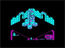 In game image of Alien 8 on the Amstrad CPC.