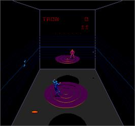 In game image of Discs of Tron on the Arcade.