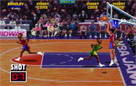 In game image of NBA Jam TE on the Arcade.