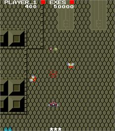 In game image of Savage Bees on the Arcade.