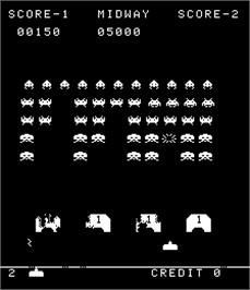 In game image of Space Invaders Deluxe on the Arcade.