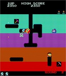 In game image of Zig Zag on the Arcade.