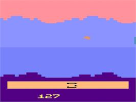 In game image of Star Wars: The Empire Strikes Back on the Atari 2600.