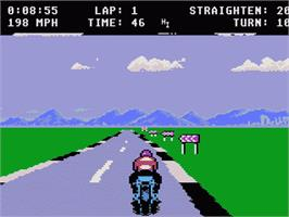 In game image of MotorPsycho on the Atari 7800.