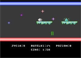 In game image of Snowball on the Atari 8-bit.