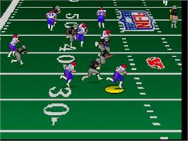 In game image of Troy Aikman NFL Football on the Atari Jaguar.