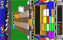 In game image of Klax on the Atari Lynx.