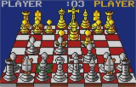 In game image of The Fidelity Ultimate Chess Challenge on the Atari Lynx.