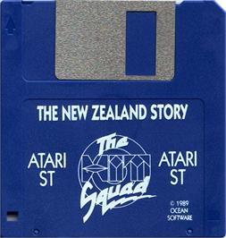 Artwork on the Disc for New Zealand Story on the Atari ST.