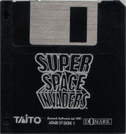 Artwork on the Disc for Super Space Invaders on the Atari ST.
