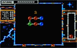 In game image of Atomino on the Atari ST.