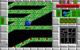 In game image of Bounce Out on the Atari ST.