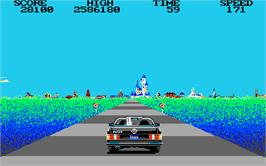 In game image of Crazy Cars on the Atari ST.
