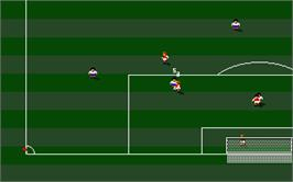 In game image of Kenny Dalglish Soccer Match on the Atari ST.