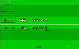 In game image of Kick Off 2 on the Atari ST.