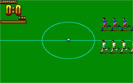 In game image of Rick Davis' World Trophy Soccer on the Atari ST.