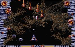 In game image of Xenon 2: Megablast on the Atari ST.