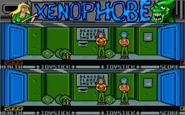 In game image of Xenophobe on the Atari ST.