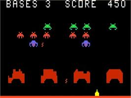 In game image of Astro Battle on the Bally Astrocade.