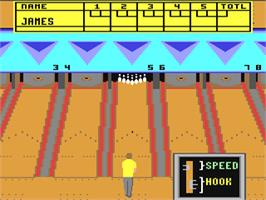 In game image of 10th Frame on the Commodore 64.