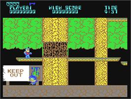 In game image of Bionic Commando on the Commodore 64.
