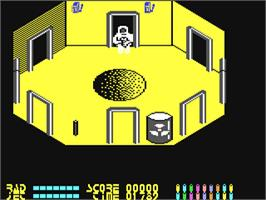 In game image of Chain Reaction on the Commodore 64.