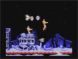 In game image of Forgotten Worlds on the Commodore 64.