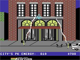 In game image of Ghostbusters on the Commodore 64.