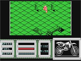 In game image of Motorbike Madness on the Commodore 64.