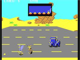 In game image of Road Runner on the Commodore 64.