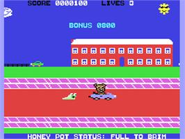 In game image of Scare Bear on the Commodore 64.