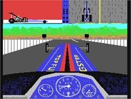 In game image of Shirley Muldowney's Top Fuel Challenge on the Commodore 64.