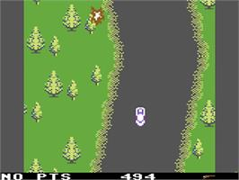 In game image of Spy Hunter on the Commodore 64.