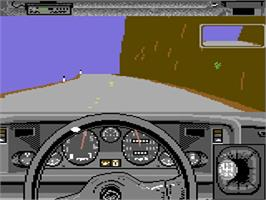 In game image of Test Drive on the Commodore 64.
