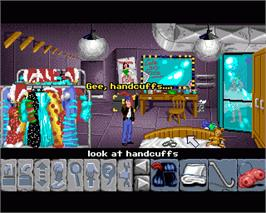 In game image of Flight of the Amazon Queen on the Commodore Amiga.