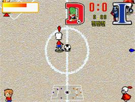 In game image of Dooly Soccer 2002 on the Gamepark GP32.