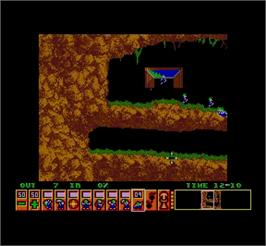 In game image of Lemmings: GFX IFF 2 on the MGT Sam Coupe.