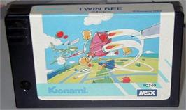 Cartridge artwork for TwinBee on the MSX.