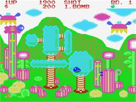 In game image of Fantasy Zone on the MSX.