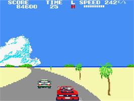 In game image of Out Run on the MSX 2.