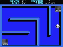 In game image of Smash Out on the MSX 2.