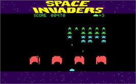 In game image of Space Invaders on the Microsoft DOS.