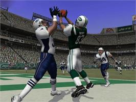 In game image of Madden NFL 2004 on the Microsoft Xbox.