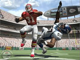 In game image of Madden NFL 2005 on the Microsoft Xbox.