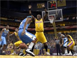 In game image of NBA 2K6 on the Microsoft Xbox.
