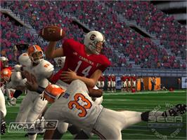 In game image of NCAA College Football 2K3 on the Microsoft Xbox.