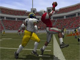 In game image of NCAA Football 2003 on the Microsoft Xbox.
