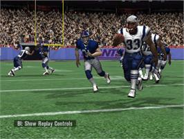 In game image of NFL Fever 2002 on the Microsoft Xbox.