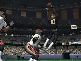 In game image of NFL Fever 2004 on the Microsoft Xbox.