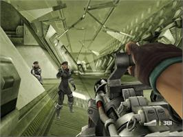 In game image of TimeSplitters: Future Perfect on the Microsoft Xbox.